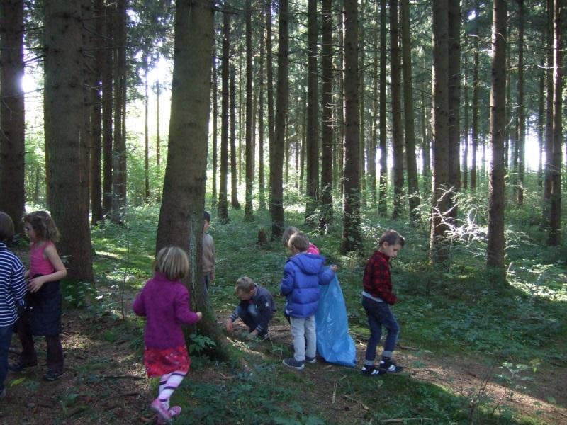 Kinder im Wald | © Karolin Buckl